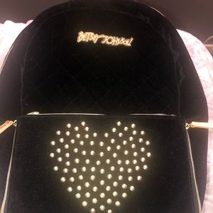 BETSEY JOHNSON VELOUR BACKPACK W/DETACHABLE POUCH